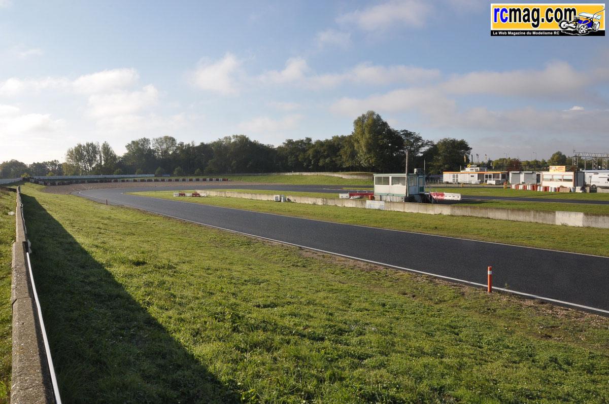 Pour les motards      Visite au circuit Carole | RCmag - Le Web