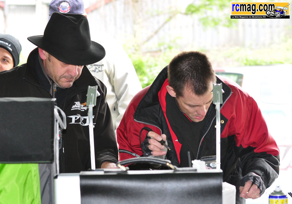 CBRacing à l'endurance TT 1/8 8 heures RC94 13/05 - Page 2 Diversstand62